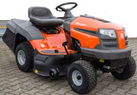 Husqvarna TC 138 ride on mower from the side