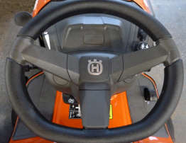 Husqvarna TC 239t steering view